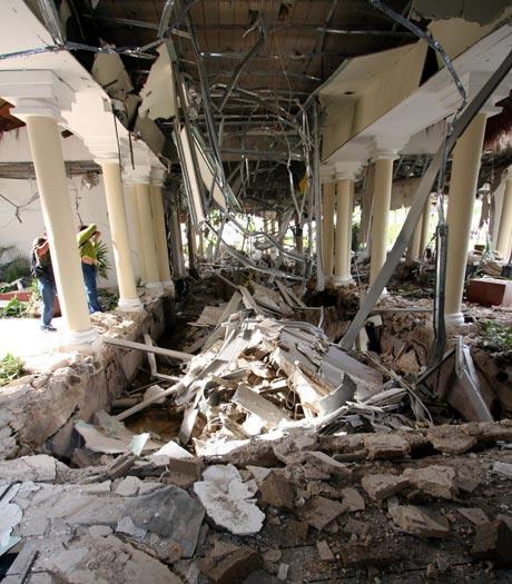 Aspecto general de los daños causados por una explosión en el área de restaurantes de un hotel de la Riviera Maya, en el estado de Quintana Roo del Caribe mexicano. - Foto: EFE | Elpais.com.co
