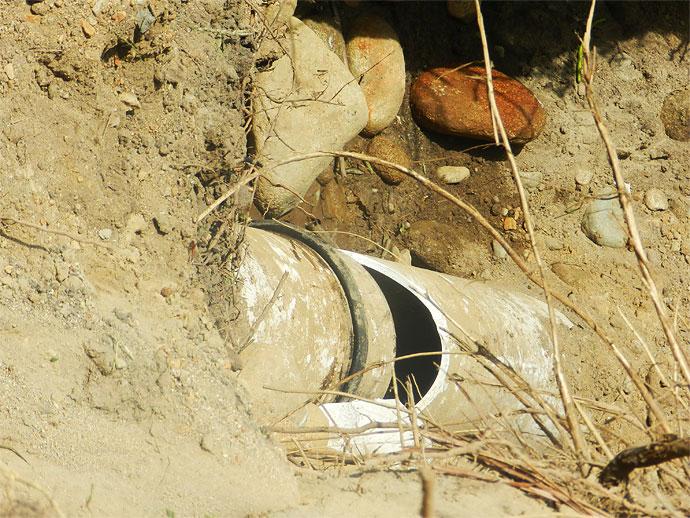 Destruyen tuber as instaladas para llevar agua potable a - Tuberias para agua potable ...