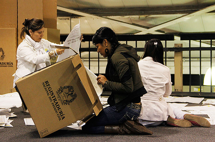 Ofrecen 50 D Lares A Colombianos Que Denuncien Fraude Electoral En El Exterior Elecciones El
