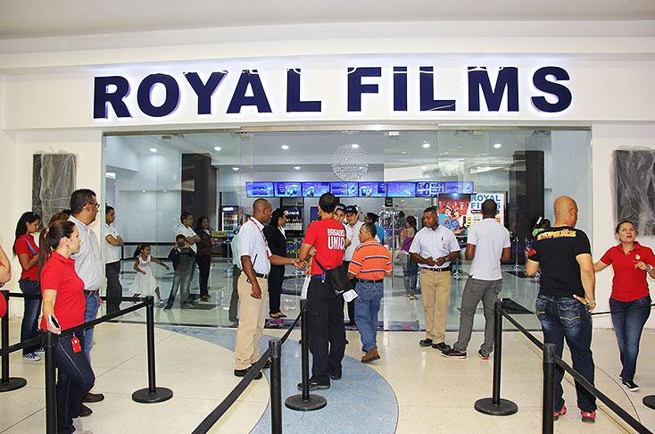 Desde hoy abren sus puertas siete salas de cine en el for Cartelera de cine royal films cali jardin plaza