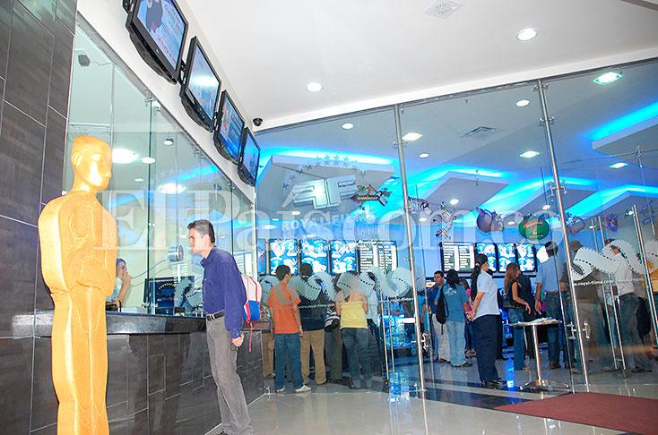 Crece la oferta de salas de cine en cali cali el pa s for Cartelera de cine royal films cali jardin plaza