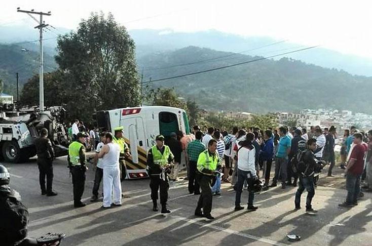 Accidente de bus escolar en v a bogot fusa habr a sido for Trabajo en comedores escolares bogota