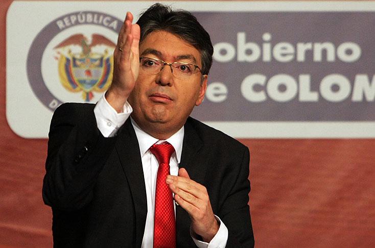 Colombia exige a Venezuela listado de deportados, primera vez que gobierno escucha a pimpineros, Noticias RCN 11Sep2015 « audio ☼ @CucutaNOTICIAS2