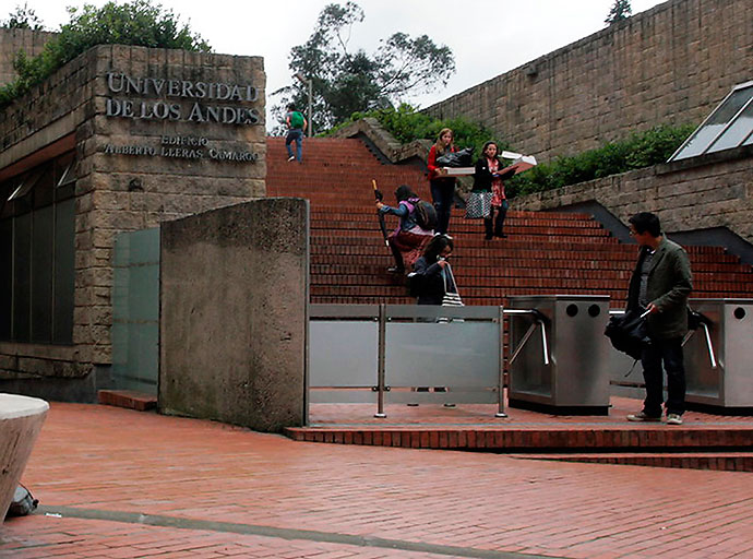 photo of The University of the Andes from El Pais.