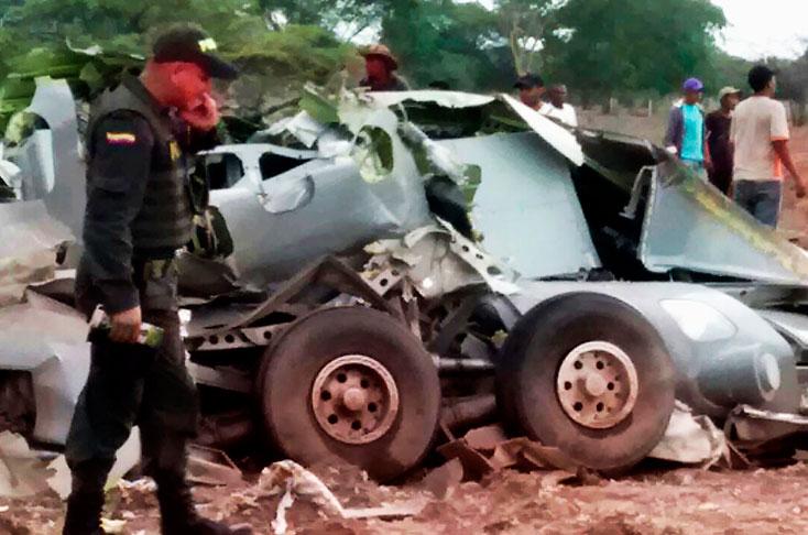 ¿Por qué se desplomó el avión en el que viajaban 11 militares?