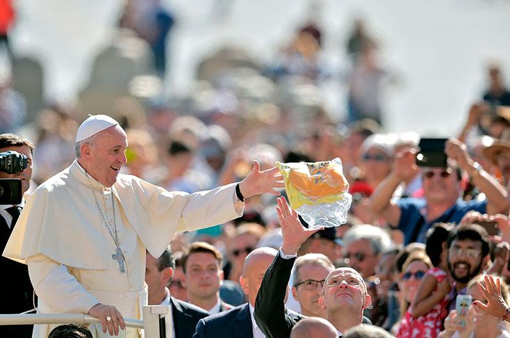 Matrimonio Catolico Papa Francisco : El papa simplifica y hace gratuito trámite para anular