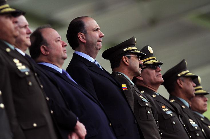 Ministerio de defensa confirma relevos en la polic a nacional colombia el pa s for Ministerio policia nacional