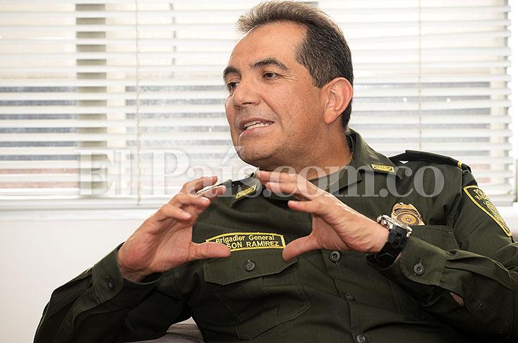 Primeros cambios en la línea de mando de la Policía