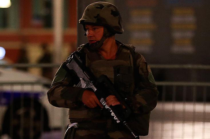 Atentado en Niza: Francia decreta tres días de duelo nacional tras ataque