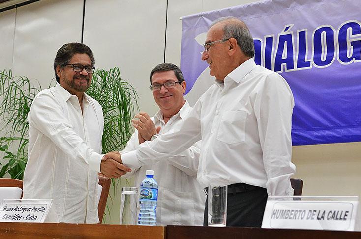 """Juan Manuel Santos: """"El plebiscito por la paz se llevará a cabo el 2 de octubre"""""""