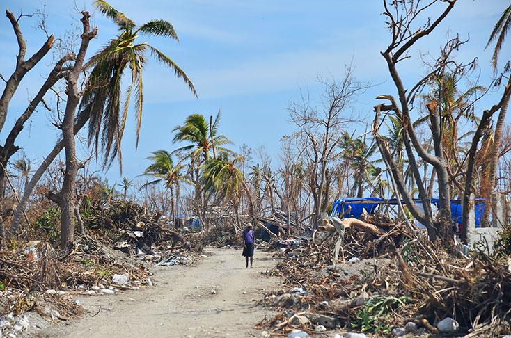 Suben a 473 los muertos que dejó el paso del huracán Matthew en Hait