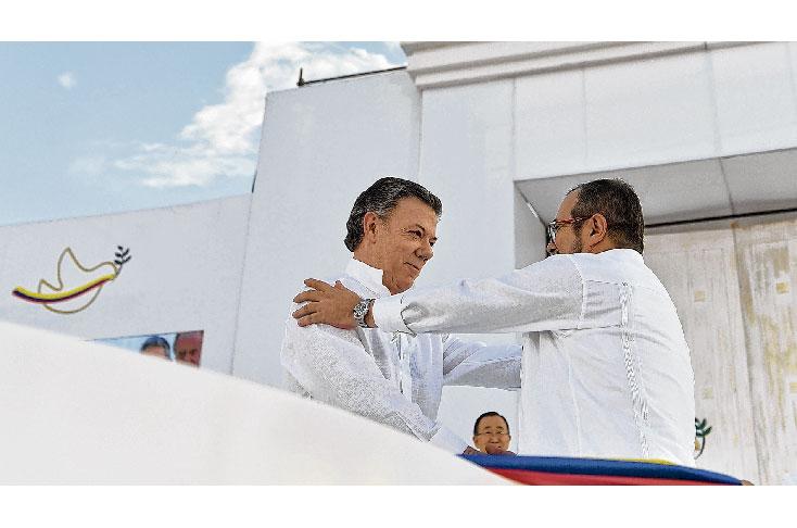Santos donará dinero del Nobel para las víctimas