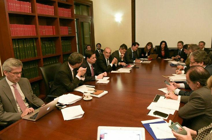 Gobierno colombiano y FARC avanzan para finiquitar nuevo acuerdo de paz