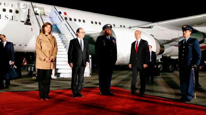 Hollande arremete contra el proteccionismo en su visita a Chile