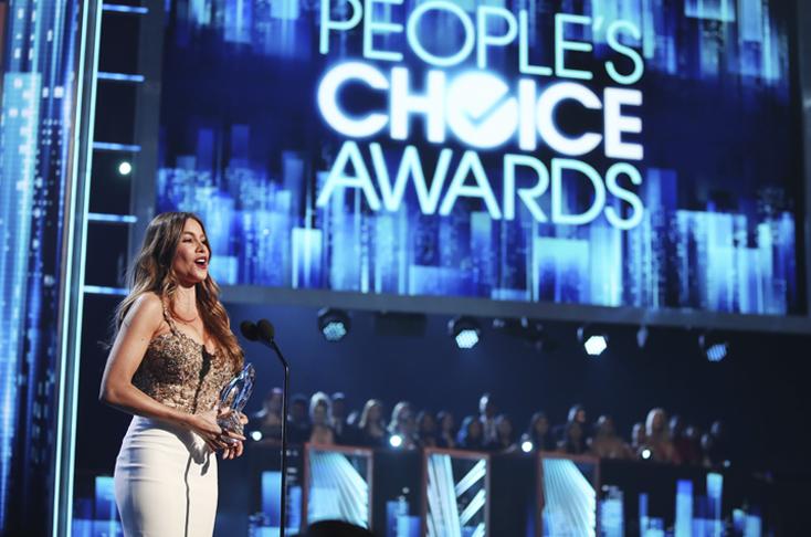 Resultado de imagen para Sofía Vergara y Jennifer Lopez, ganadoras en los People's Choice Awards