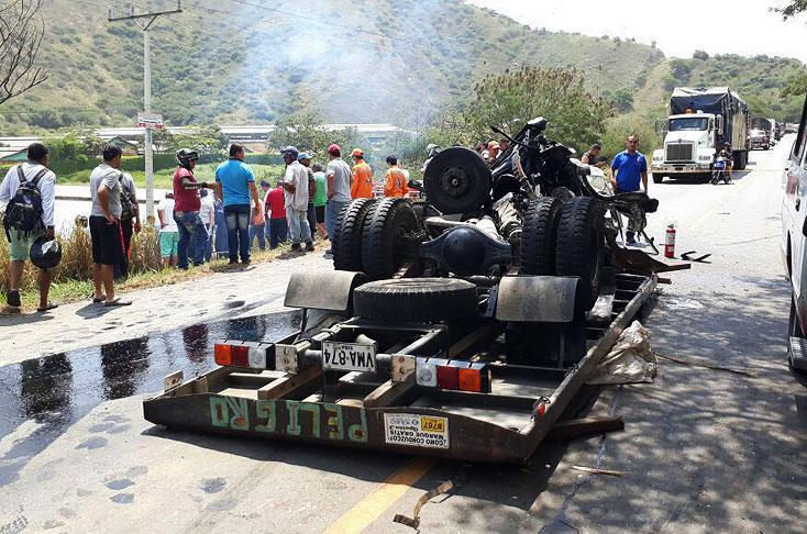 Cinco personas muertas en accidente de un vahículo de Flota Ospina