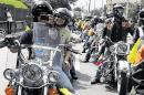 Motociclistas rindieron hoy un homenaje a soldados víctimas de minas