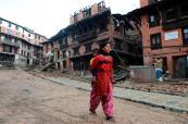 Ya van más de 4 mil muertos en Nepal, mientras comienza éxodo de sobrevivientes