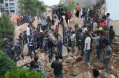Se reportan al menos 3200 víctimas del terremoto en Nepal