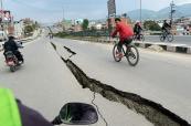 Videos en YouTube muestran el poder del terremoto que sacudió a Nepal