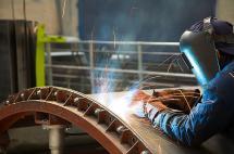 La industria le dio la mano a la economía colombiana
