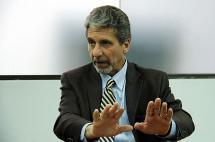 Estados Unidos respetará decisión de no extraditar jefes guerrilleros