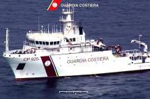 Un barco con 700 inmigrantes naufraga en aguas libias