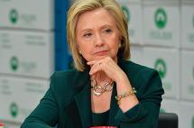 Hillary Clinton propone un plan de regularización de indocumentados en EE.UU