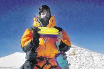 Primer colombiano en escalar el Everest explica la dimensión de la tragedia en Nepal