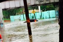 Congestión vehicular e inundaciones dejó fuerte aguacero en vías de Cali