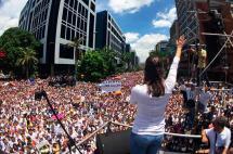 Masiva manifestación por liberación de líderes opositores en Venezuela