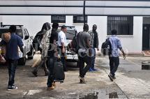 Ocho migrantes africanos fueron retenidos en la Terminal de Cali