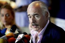 Pastrana llega a Venezuela y espera poder visitar a opositores presos