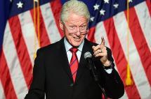Bill Clinton defiende su fundación en medio de acusaciones por conflicto de intereses