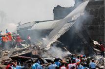 Al menos 38 muertos deja accidente de un avión militar en Indonesia