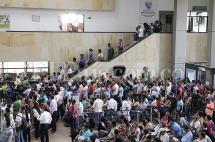 Persisten problemas para la entrega del pasaporte, pese a Pico y Placa para la atención