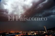 En fotos: Cali volvió a colapsar por fuerte aguacero