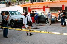 Video: acribillan con 100 disparos a comandante de Policía en México
