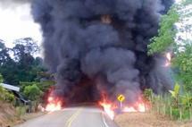 Nuevo atentado a oleoducto paraliza a Putumayo