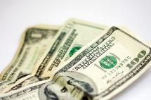 Dólar vuelve a caer y se cotiza en $3172 en la mañana de este viernes