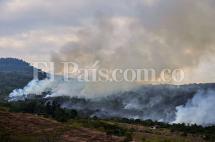 Controlan incendio que consumió 500 hectáreas en zona rural de Yumbo