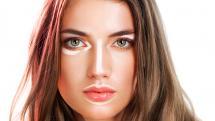 Maquilla tu rostro como lo haría una profesional