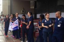 Estudiantes de Univalle bloquean entrada a la Gobernación del Valle