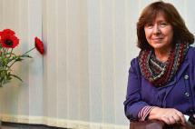 La bielorrusa Svetlana Alexievich gana el premio Nobel de Literatura
