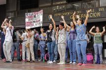 Marcha de estudiantes de Univalle avanza hacia el centro de Cali