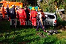 Un herido deja accidente entre coche fúnebre y tractocamión en la vía Buga - Tuluá