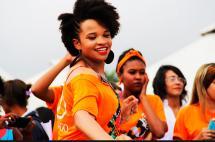 El mundo se viste de naranja para rechazar la violencia contra la mujer