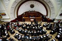 Parlamento de Venezuela sesiona tras suspensión del revocatorio contra Maduro
