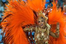 Video: ni el Zika logra aguar la fiesta en el Carnaval de Río, que ya inició sus desfiles