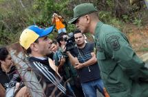Impiden recolección de firma de Leopoldo López para revocatorio de Nicolás Maduro